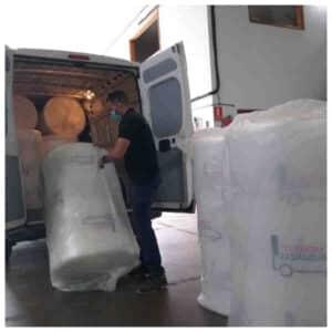 el plastico o papel de burbujas en las mudanzas